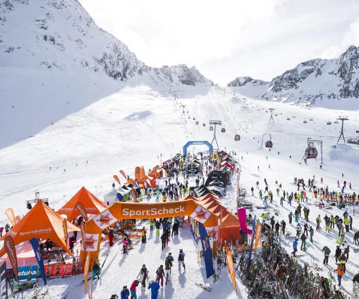 Wintersportler im Stubaital zum höchsten Materialtest der Alpen
