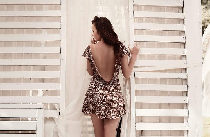 Kleider und Röcke und angesagte Looks