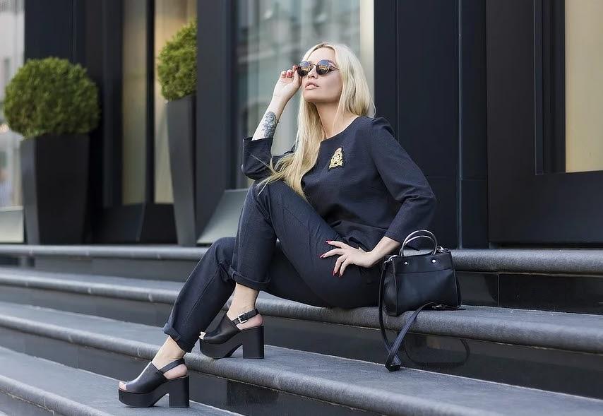 Die Farbe Schwarz kommt nie aus der Mode